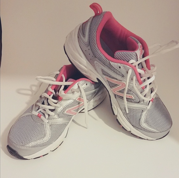 buy popular 0a19a f2381 New Balance 540 running shoes.
